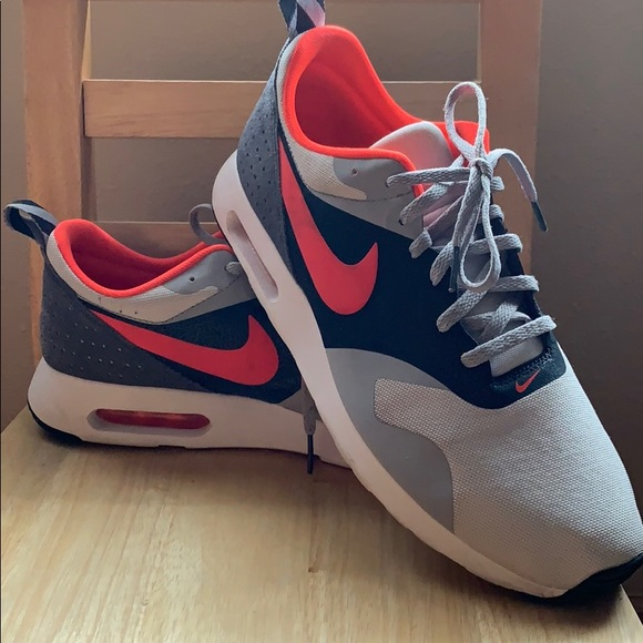 competitive price 6ca74 8794f Nike Shoes | Mens Air Max Tavas Size 11 | Poshmark